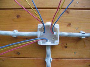 Монтаж распаечной коробки в квартире и доме