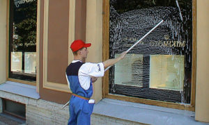 Мойка витрин в Саранске